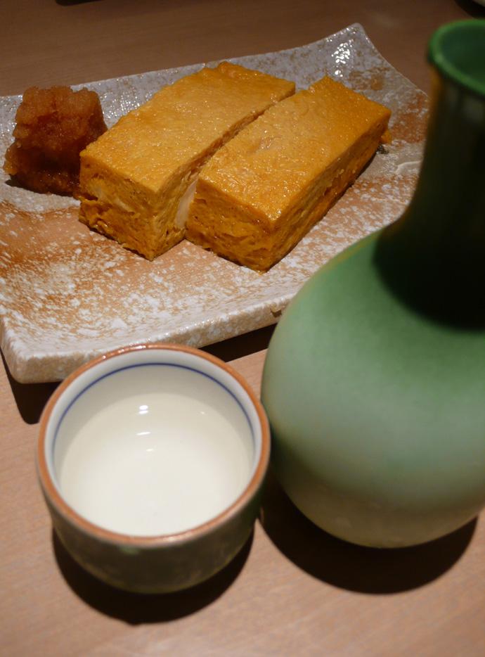厚焼き玉子と純米酒