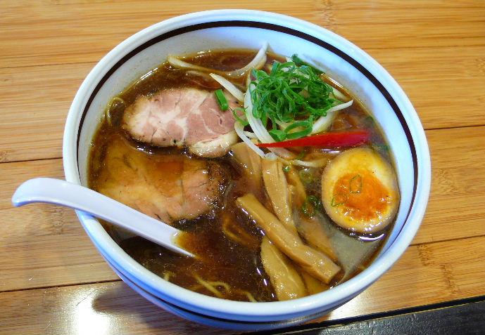 黒醤油(スパイス)麺