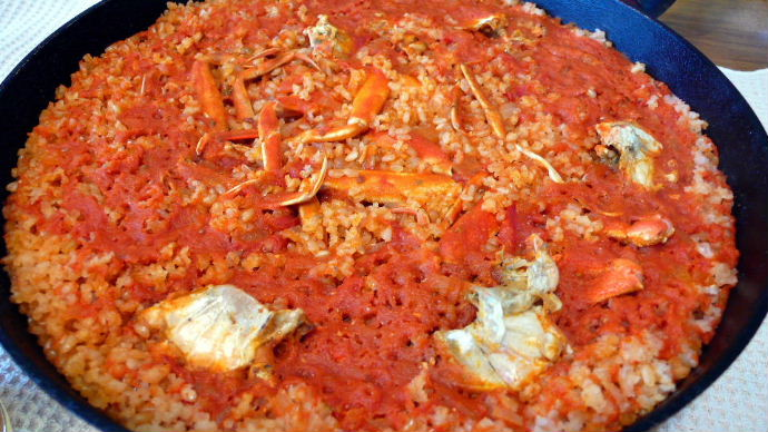 カニと玄米のトマトパエリア