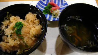 お食事山菜ご飯香の物三種盛り止椀沢煮仕立